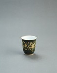 Porslin. Kopp. Grönt och guld i dekoren - Hallwylska museet - 89186.tif