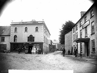 Post Office and the Castle Hotel, Llangadog