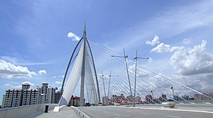 Seri Wawasan Bridge - Seri Wawasan: Forward stay cables anchored on outer edges of bridge deck