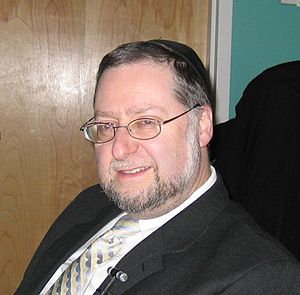 Gateways (organization) - Rabbi Mordechai Becher before a presentation, February 2009