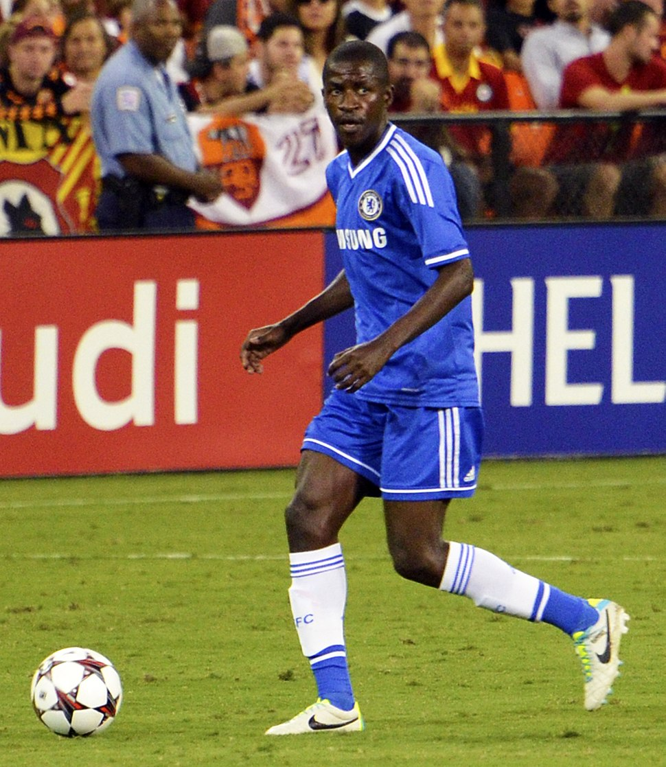 Ramires Chelsea vs AS-Roma 10AUG2013