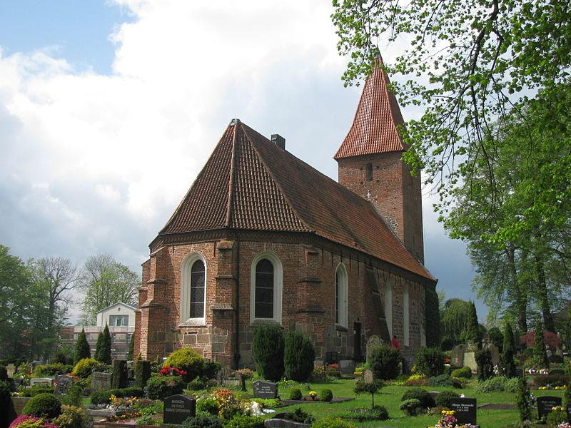 File:Rastede St.-Ulrichs-Kirche.JPG