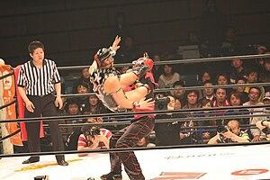 Masaki Sumitani - Razor Ramon HG in a wrestling match in HUSTLE.