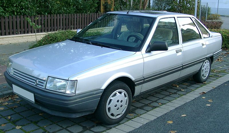 800px-Renault_21_front_20071031.jpg