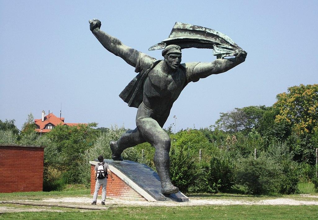 Musée en plein air des statues communistes du Memento Park de Budapest - Photo de Elelicht