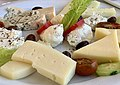 Restaurant Erotokritos (Almyrida) - plateau de fromages (2).jpg