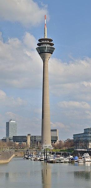 Düsseldorf: Rheinturm (Rhine Tower, television tower)
