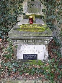 Rudolf Skuhersky grave.jpg