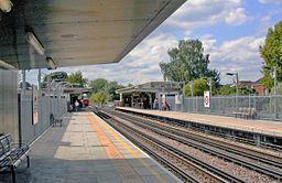 Ruislip Manor station geograph-3986489-by-Ben-Brooksbank