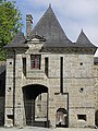 Saint-Brice-en-Coglès (Châtelet d'entrée du Château de la Motte).jpg