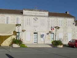 Salignac17 mairie.JPG