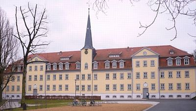 Salzmannschule in Waltershausen- Schnepfenthal Thuringen.jpg