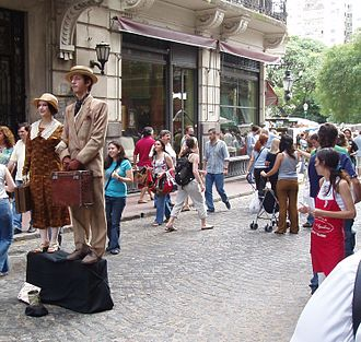 San Telmo, Buenos Aires - Street performers in San Telmo