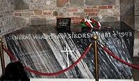 Sarkofag Władysława Sikorskiego na Wawelu.JPG