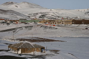Scott's Discovery Hut and McMurdo Station at Ross Island