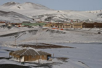Discovery Hut - Scott's Discovery Hut and McMurdo Station at Ross Island