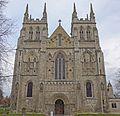 Selby Abbey (15823301154).jpg
