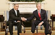 Shaukat Aziz at the White House with US president George W. Bush.