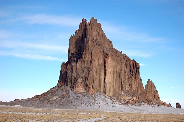 Der Shiprock auf dem Colorado-Plateau, New Mexico, USA