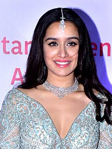 Shraddha Kapoor graces the Star Screen Awards 2018 (51) (cropped).jpg