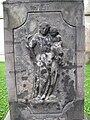 Siřejovice, reliéf svatého Antonína Paduánského na dříku sochy.JPG