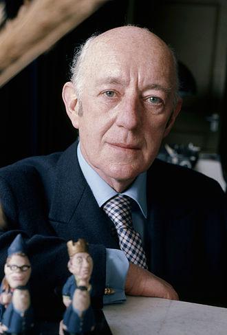 Alec Guinness - Sir Alec Guinness in 1973 by Allan Warren