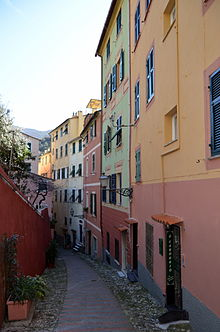 Scorcio del centro storico, via sant'Erasmo.