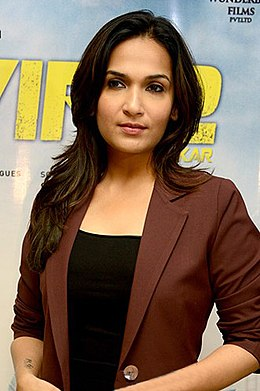 Soundarya Rajinikanth promotes VIP2 in Delhi.jpg