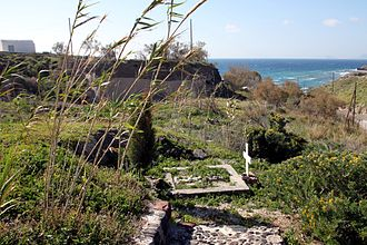 Spyridon Marinatos - The grave of Spyridon Marinatos at the excavation site of Akrotiri on Santorini