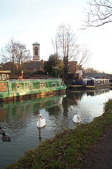 St Barnabas by canal Jericho Oxford 20051224.jpg