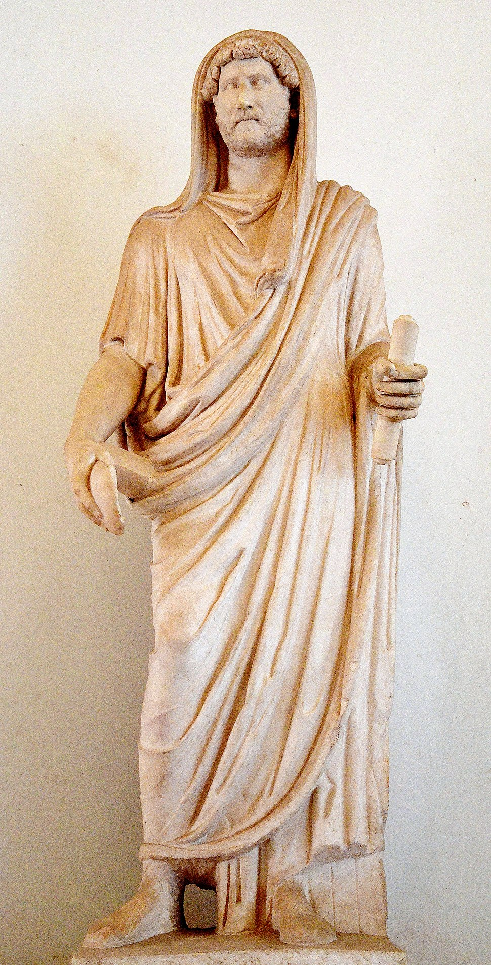 Statue of Hadrian as Pontifex Maximus, 117-138 AD, from Rome, Palazzo Nuovo, Capitoline Museums (13100265983)