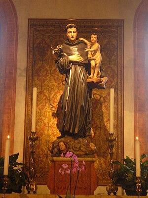 Statue of Saint Anthony of Padua in San Francesco church, Treviso, Italy - 20080926.jpg