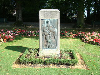 Monument à Charles Lenoir
