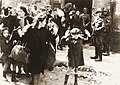 Nazi troops round up Warsaw Ghetto residents