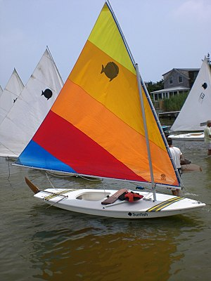 Sunfish (sailboat) - Image: Sunfish rigged for sailing