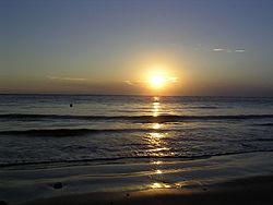 محيطات العالم بالمعلومات الخرائط الصور 250px-Sunset-at-Sea.