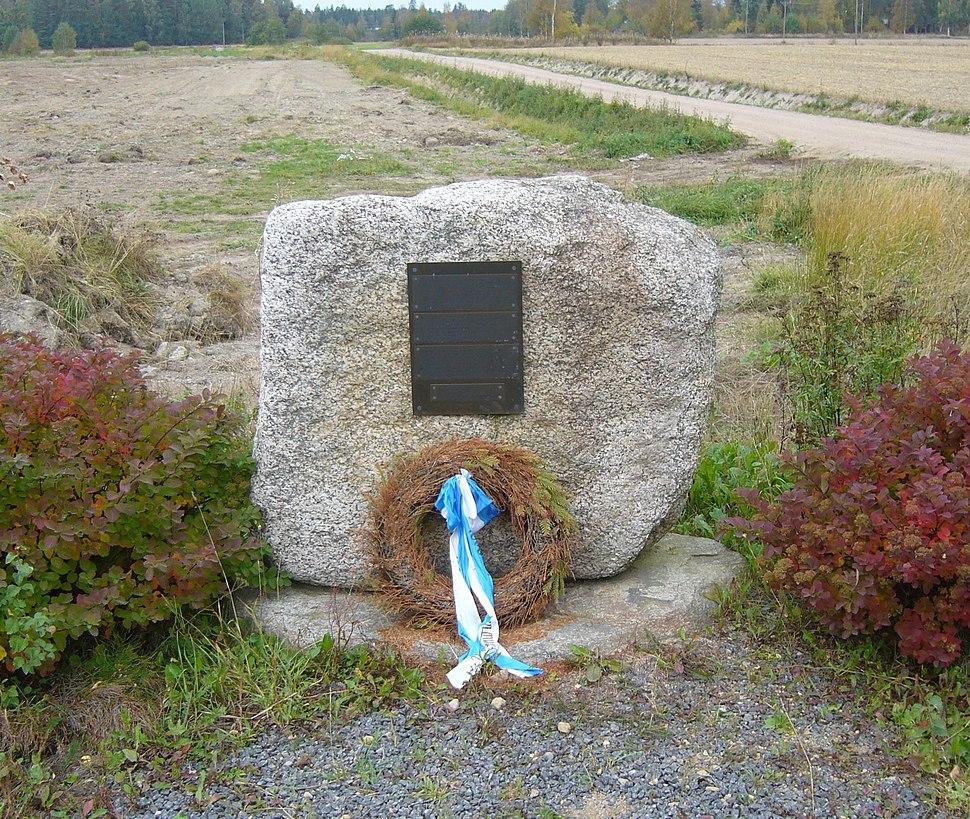 Suomen sodan muistomerkki Harjankylässä