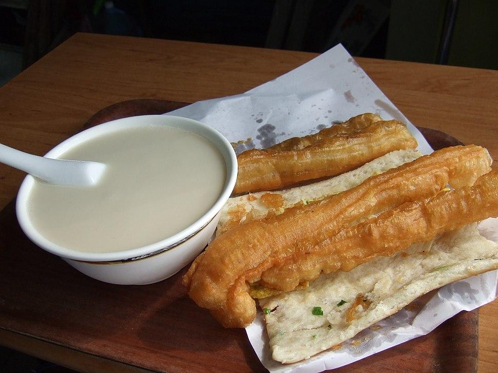 Taiwan breakfast with fresh soymilk flickr user goosmurf