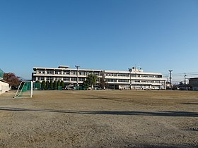Tatomi Junior High School Chuo City.JPG