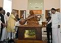 The Prime Minister, Shri Narendra Modi unveiling the statue of Dr. A.P.J. Abdul Kalam, at Pei Karumbu, Rameswaram, in Tamil Nadu.jpg