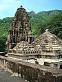 The roof-top of a temple in Bhangarh.JPG