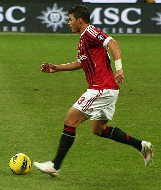 Thiago Silva - Thiago Silva contesting a ball against Siena, on 17 December 2011