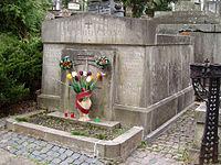 Tomb of Barvinskyi family (1).jpg