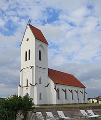Torekovs kyrka juni 2013.jpg