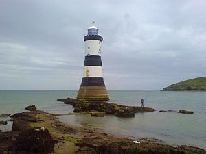 Puffin Island (Anglesey) - Trwyn Du Lighthouse near the island