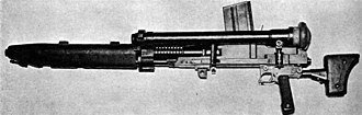 Type 97 heavy tank machine gun - A Type 97 tank machine gun, shown with telescopic sight, magazine and jacket guard.