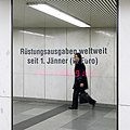 U1 Karlsplatz Kunst Factoid 02 Rüstungsausgaben.jpg