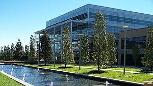 English: UT Dallas 74,000-square-foot (6,900 m...