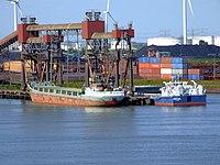 Union Neptune & RMS Kiel, Port of Rotterdam.JPG