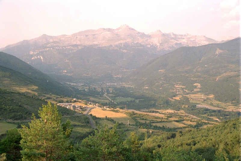 Valle rio aragon